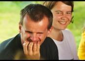 Čemu se asi usmívá Václav a vedle něj Martina?