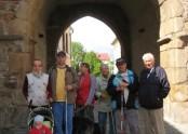 Společné foto pod věží