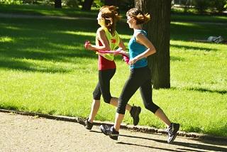 14b místo statické fotky s běžci možná otočit směr běhu doprava